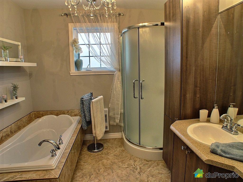 Maison vendu l 39 ancienne lorette immobilier qu bec for Reno salle de bain quebec