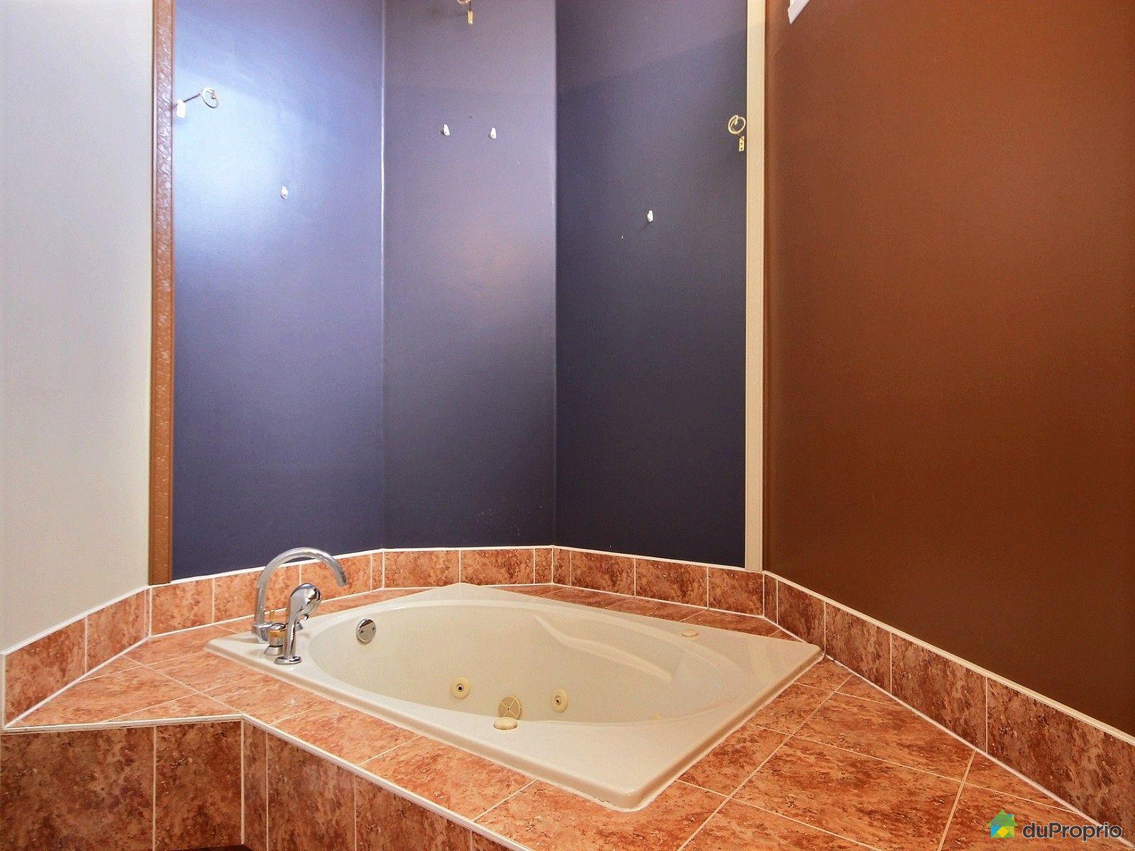 Maison vendu montr al immobilier qu bec duproprio 680608 for Chambre avec bain tourbillon montreal