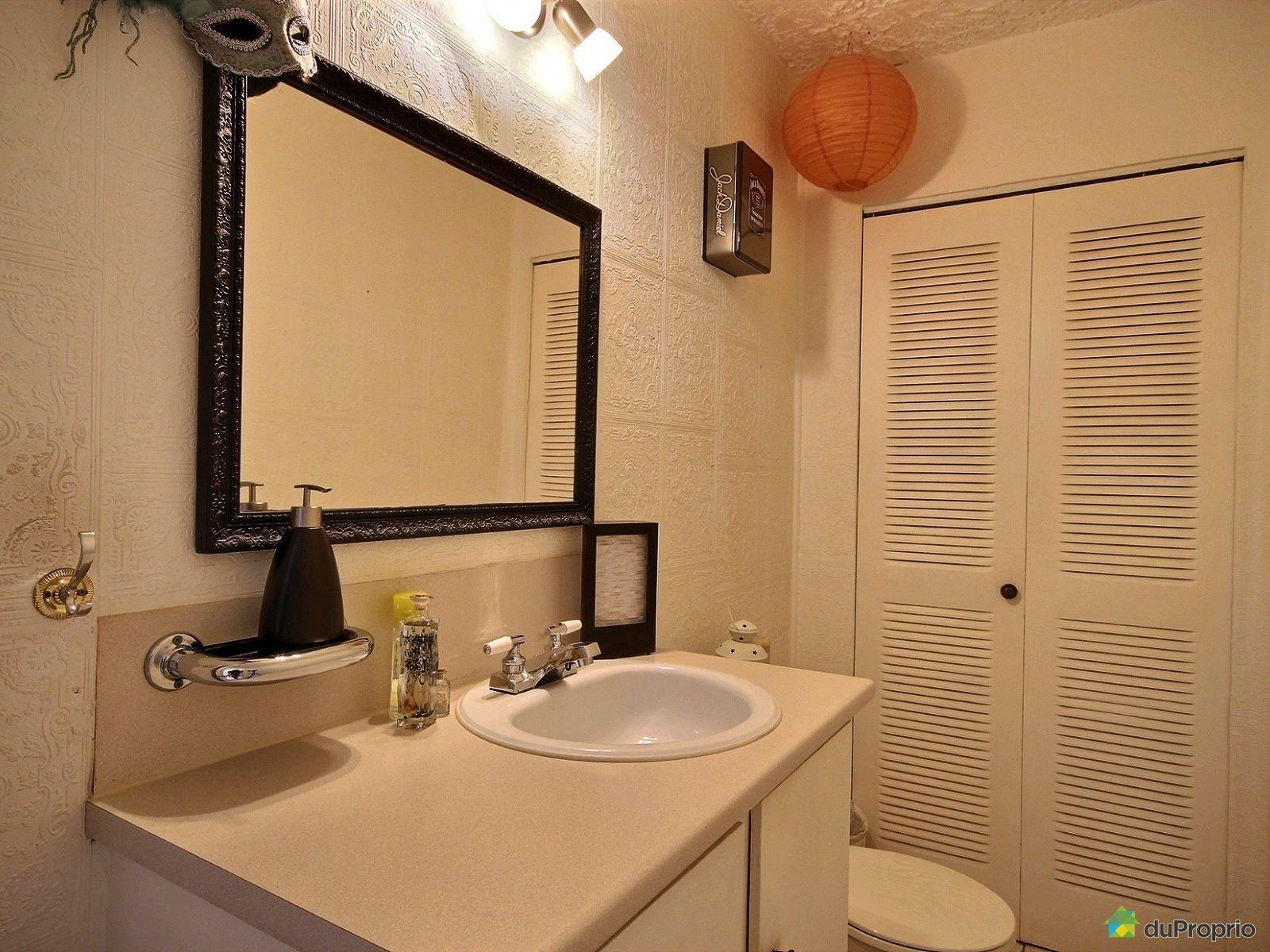 Maison vendre montr al 12271 avenue charles renard for Accessoire salle de bain ville de quebec