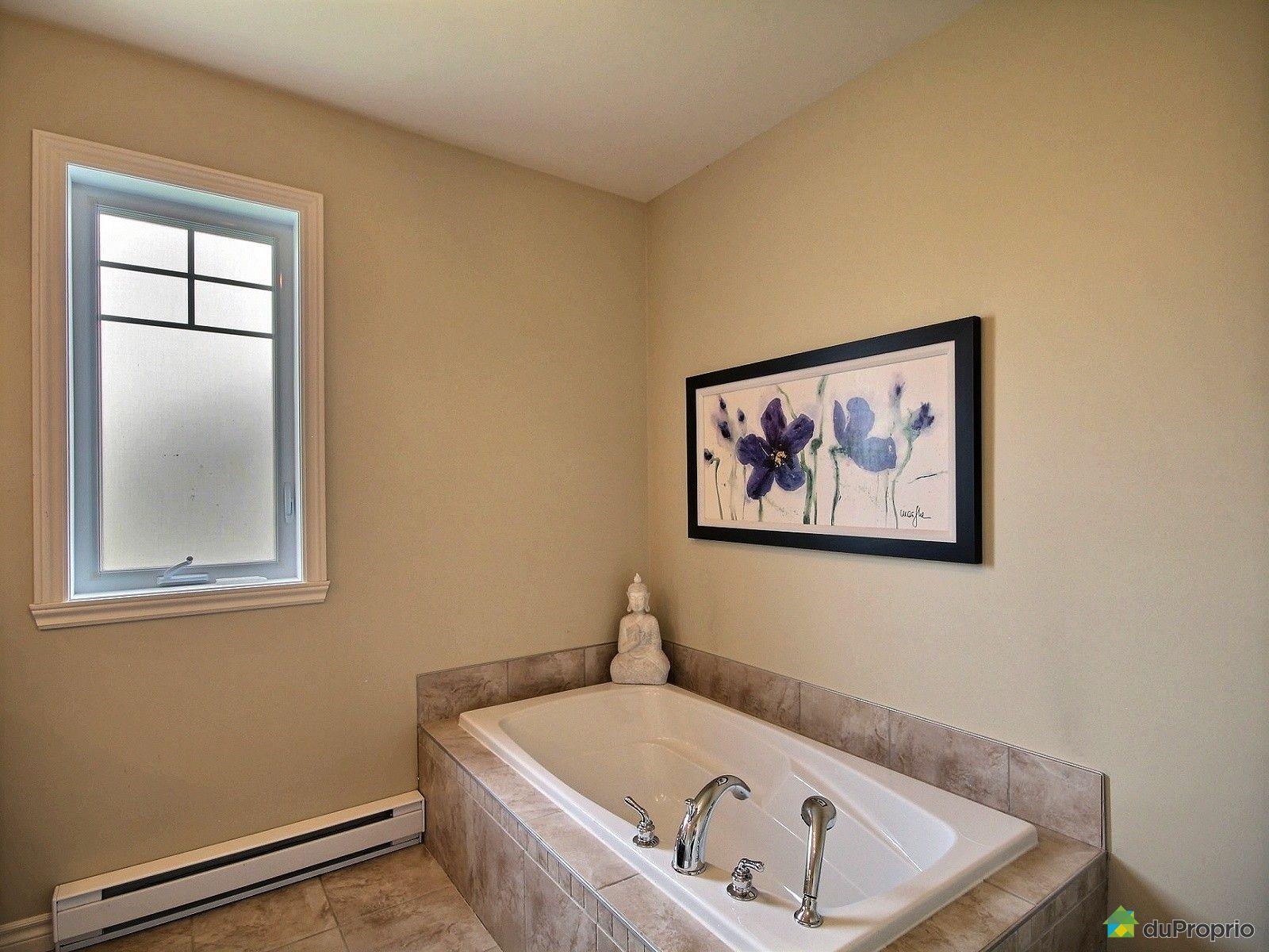 Maison vendu rock forest immobilier qu bec duproprio for Salle de bain commune a deux chambres