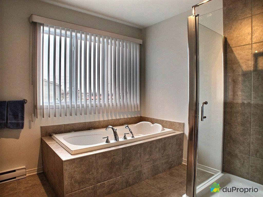 Maison moderne avendrelaval for Faience salle de bain tunisie