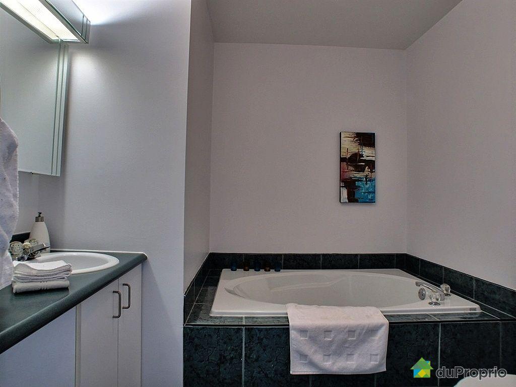 Maison vendu ste rose 4112 avenue renaissance for Accessoire salle de bain ville de quebec