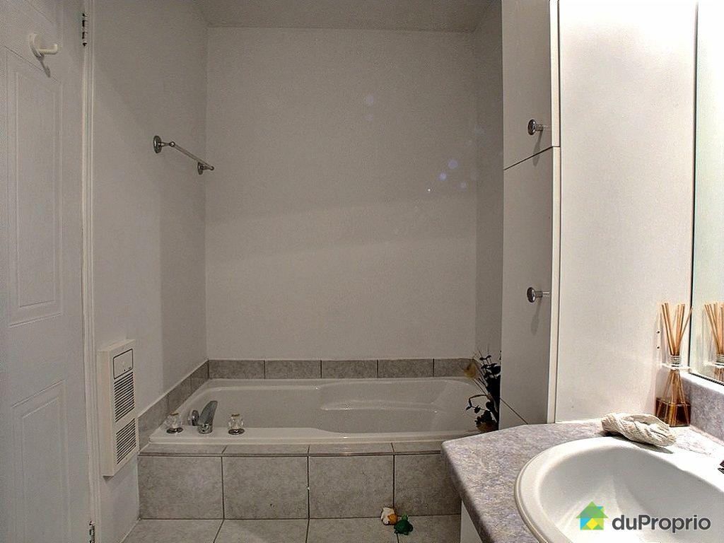 Maison vendu vaudreuil dorion immobilier qu bec for Salle de bain commune a deux chambres