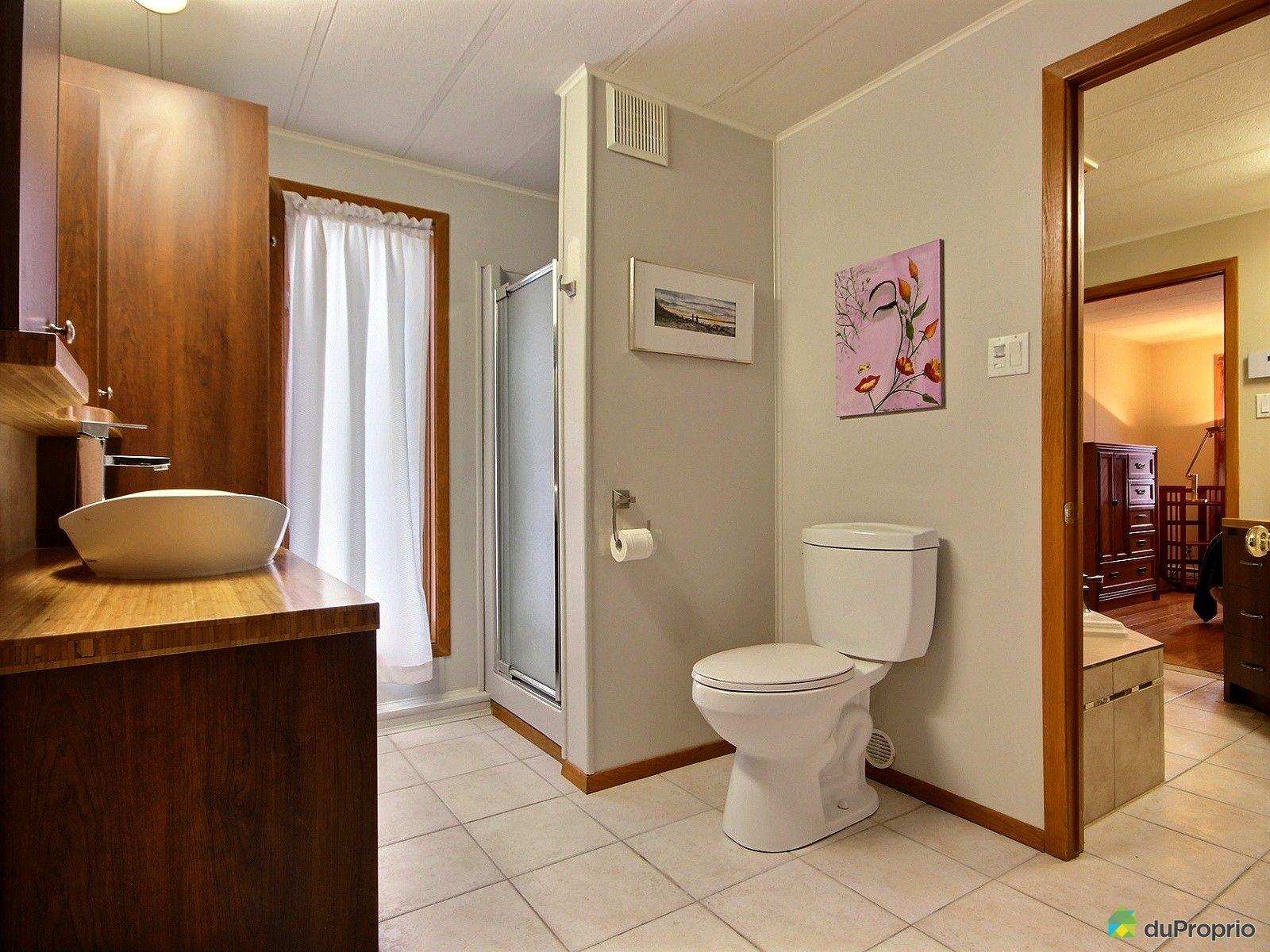 Maison vendre charlesbourg 1035 rue des fraisiers for Salle de bain mobile