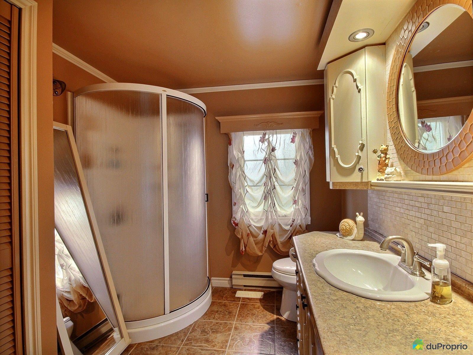 Maison vendre dolbeau mistassini 224 rue bois joli for Salle de bain mobile
