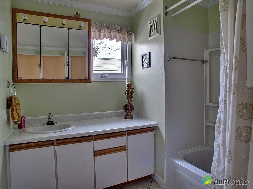Maison vendre fossambault sur le lac 3 rue 18e for Salle de bain mobile