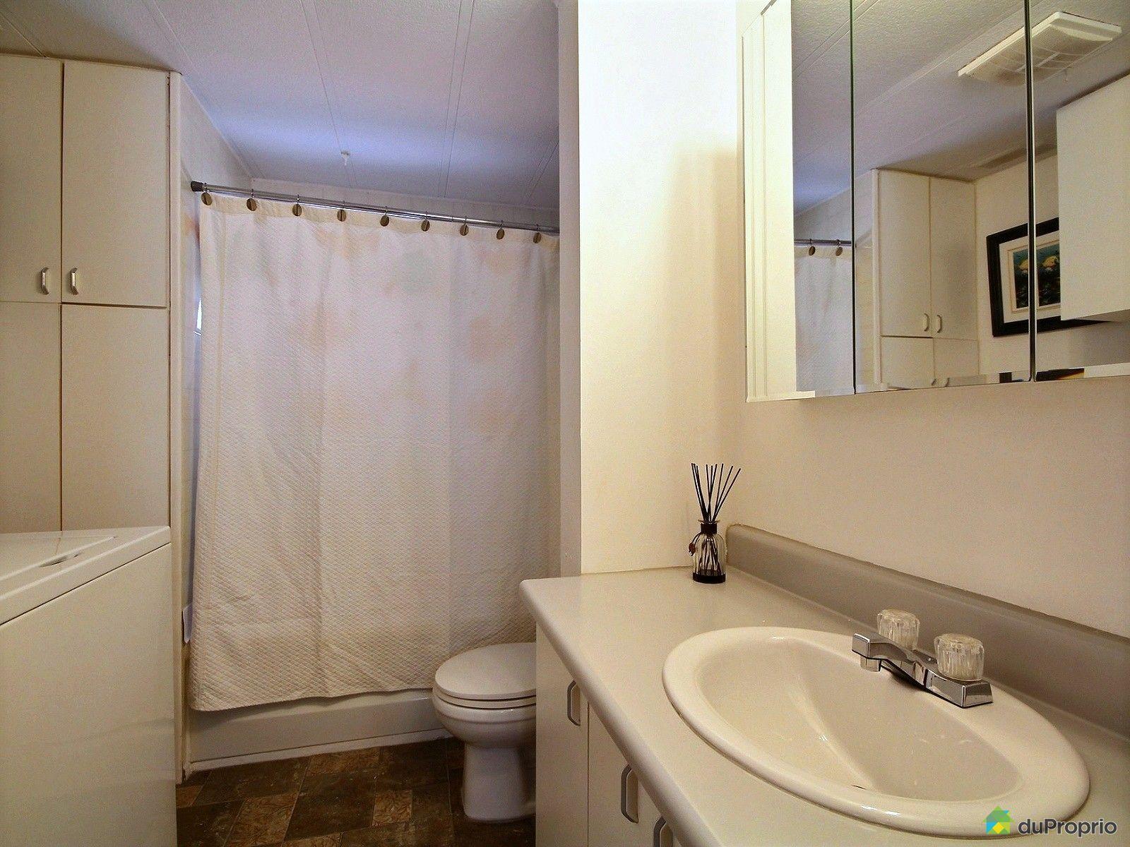 Maison vendu st nicolas immobilier qu bec duproprio for Salle de bain mobile