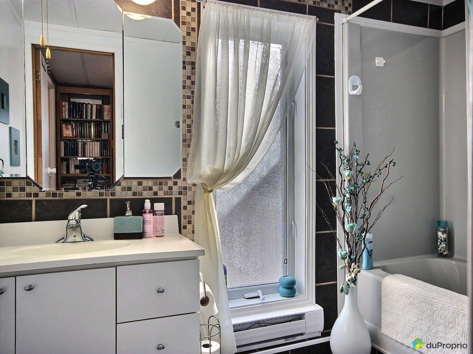 Maison vendu ste marthe sur le lac immobilier qu bec for Salle de bain mobile