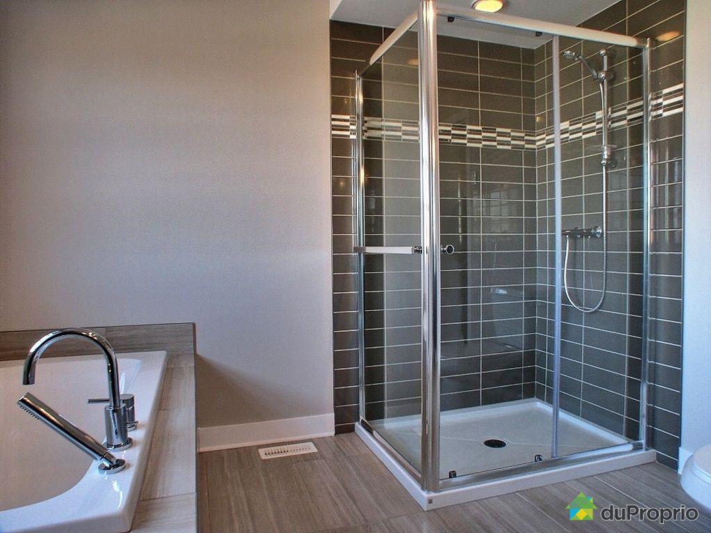 Maison neuve vendu mirabel immobilier qu bec duproprio for Salle de bain maison ancienne