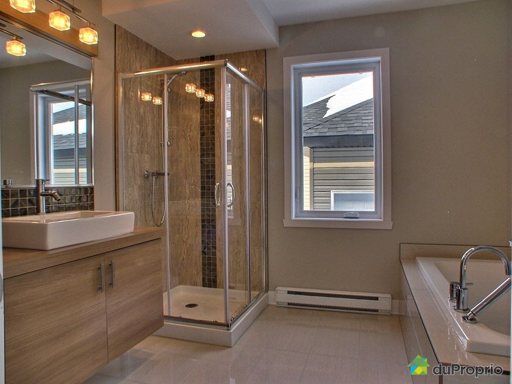 Emejing modele grande salle de bains avec spa images for Model des salle de bain