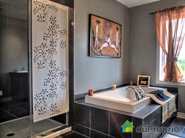 Maison neuve vendu st jean sur richelieu immobilier for Salle de bain st jean