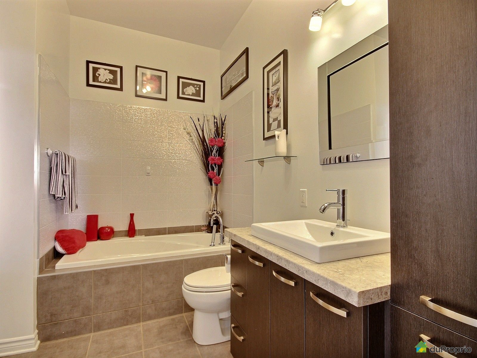#A22C29 Penthouse Vendu St Hubert Immobilier Québec DuProprio  3891 salle a manger pas cher montreal 1600x1200 px @ aertt.com
