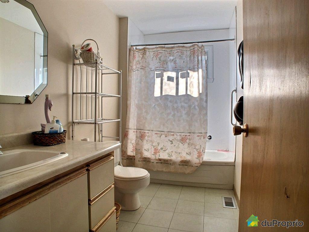 7531, avenue 3e, laval-ouest à vendre | duproprio - Salle De Bain Personnes Agees