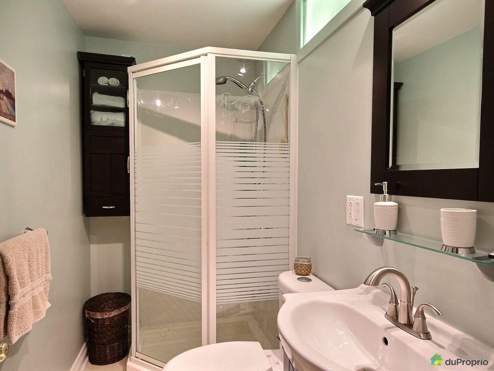 Duplex vendre laval des rapides 581 583 8e avenue for Salle de bain laval