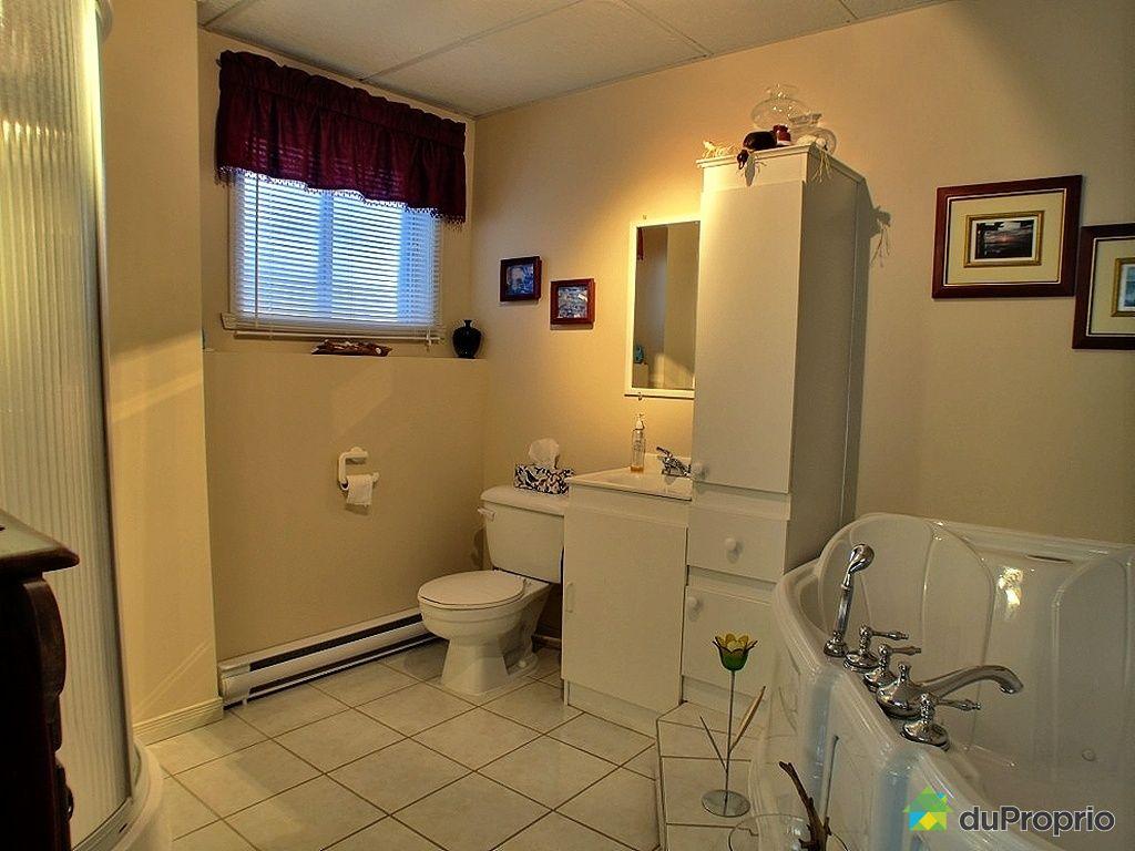 Maison vendu st tienne de lauzon immobilier qu bec for Salle de bain saint etienne