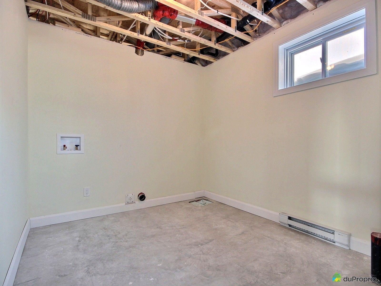 Maison vendre donnacona 997 rue drolet immobilier for Plomberie salle de bain au sous sol