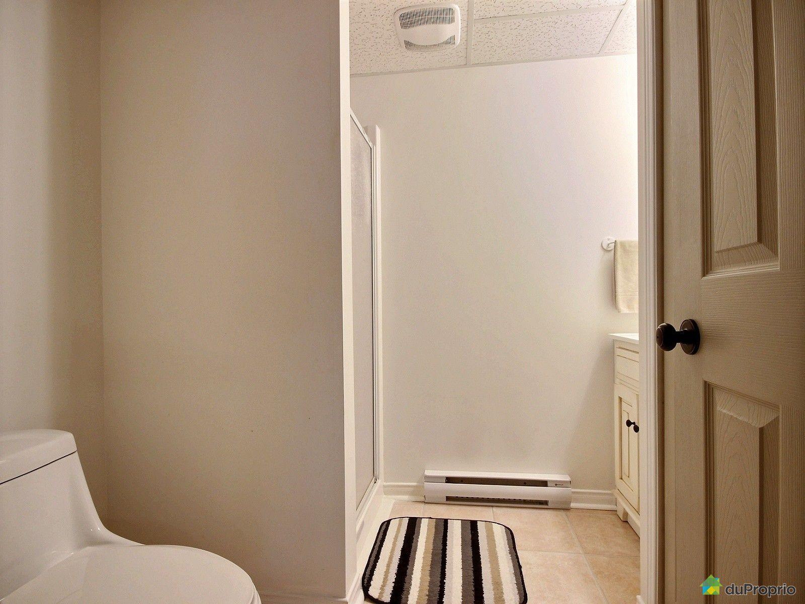 Maison vendre pr vost 989 rue guindon immobilier for Prix salle de bain sous sol