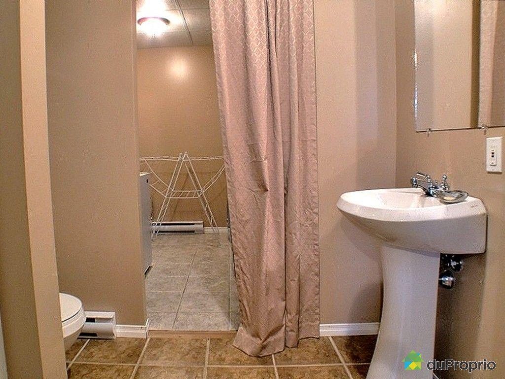 Maison vendu st lie d 39 orford immobilier qu bec - Salle de bain sous sol ...