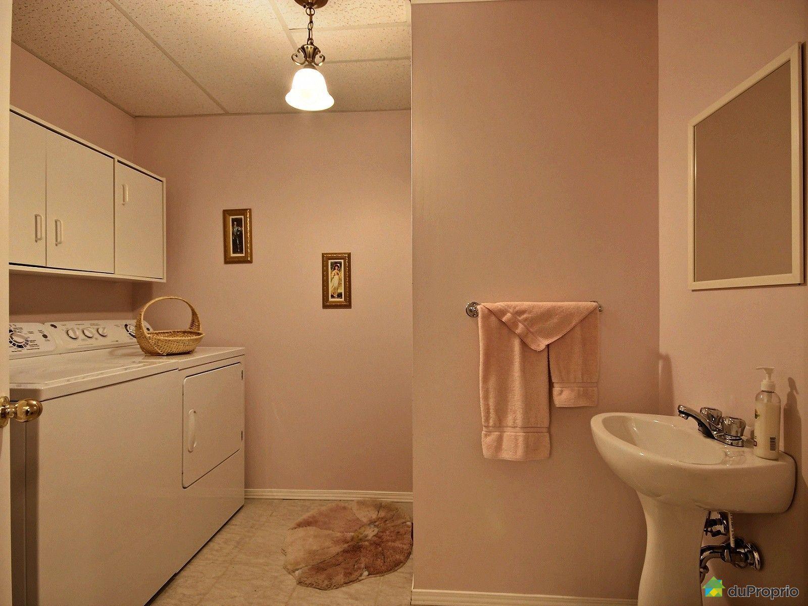 Maison vendre st tienne de lauzon 33 rue lalibert for Salle de bain saint etienne