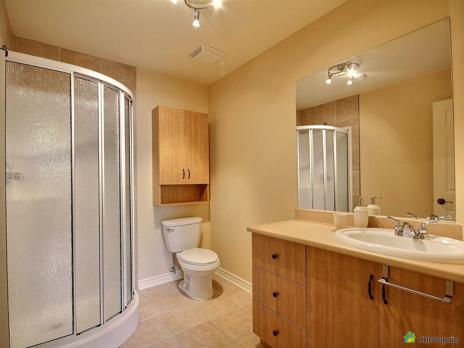 Maison vendre st j r me 942 rue dalhousie immobilier for Accessoire salle de bain st jerome