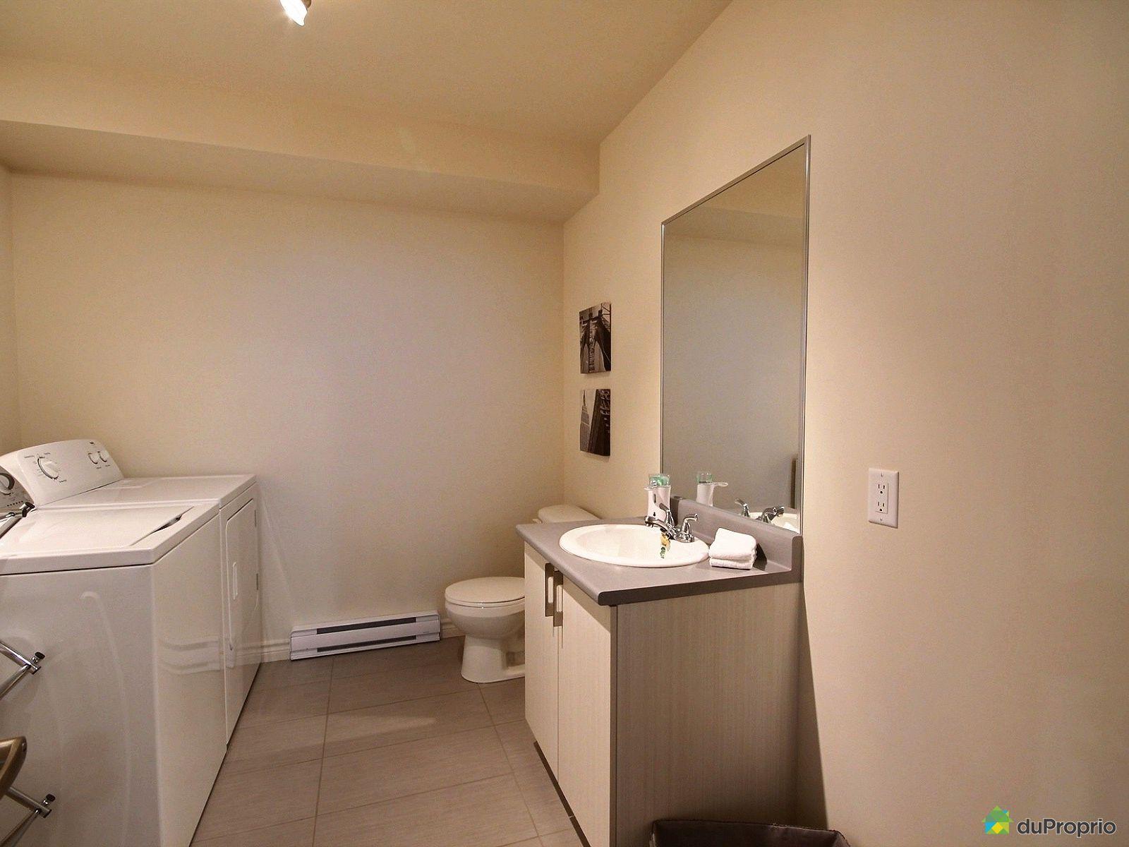 Maison vendre st j r me 1669 rue wilfrid pelletier for Accessoire salle de bain st jerome