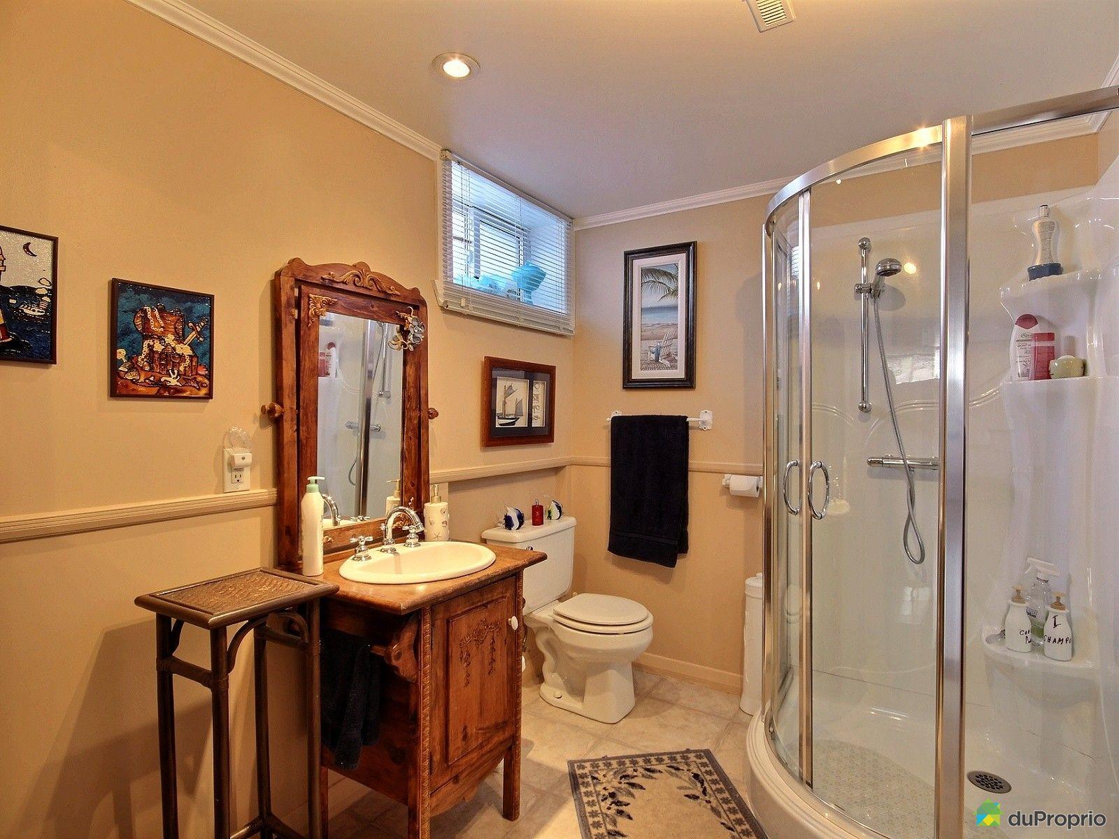 Maison vendu st louis de gonzague immobilier qu bec for Plomberie sous sol salle de bain