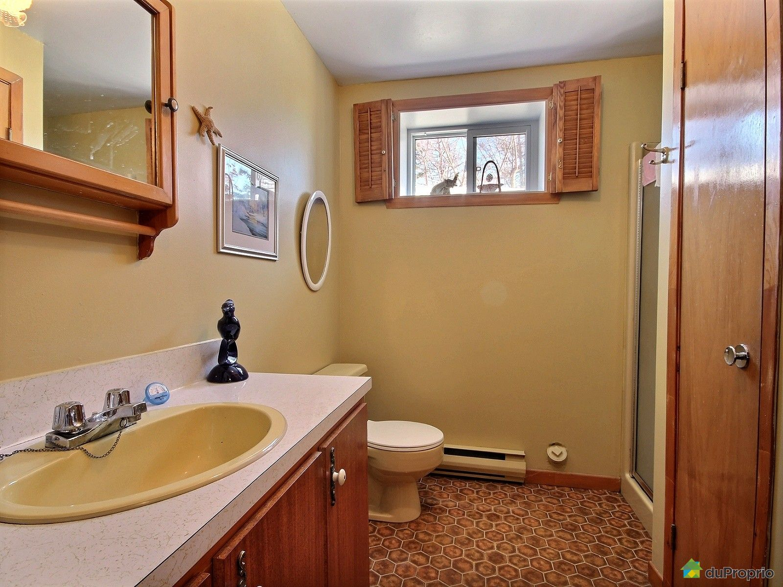Maison vendre ste luce sur mer 235 route 132 ouest for Salle de bain 13m2