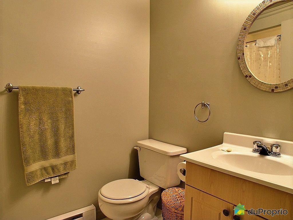 Maison vendu buckingham immobilier qu bec duproprio for Plomberie sous sol salle de bain