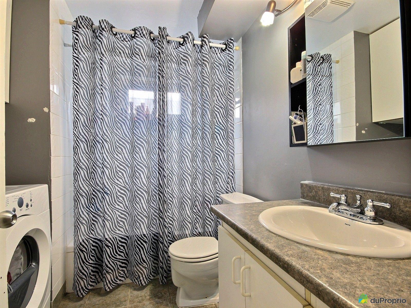 Triplex vendu longueuil immobilier qu bec duproprio for Salle de bain longueuil