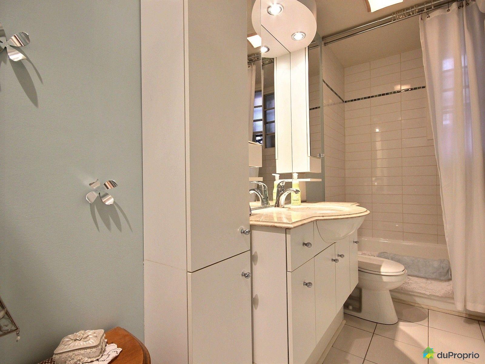 Triplex vendu montr al immobilier qu bec duproprio 514157 for Salle de bain commune a deux chambres