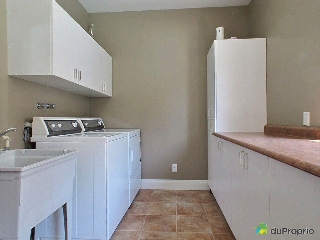 maison vendre rivi re du loup 67 rue des tulipes immobilier qu bec duproprio 353484. Black Bedroom Furniture Sets. Home Design Ideas