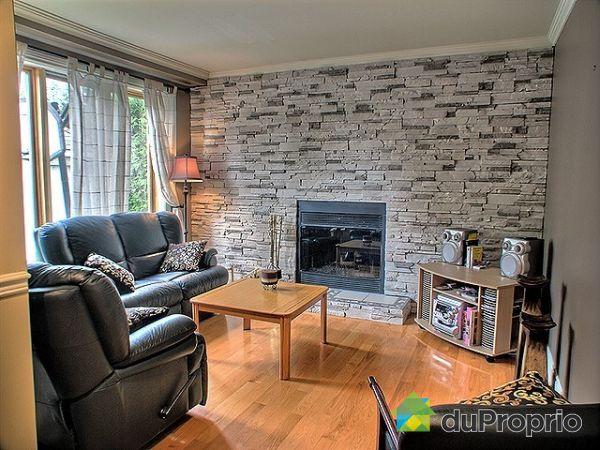 Maison vendu st eustache immobilier qu bec duproprio for Briques decoratives interieur