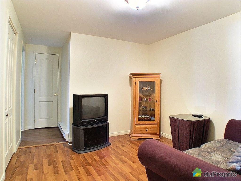 maison vendu chambly immobilier qu bec duproprio 195983. Black Bedroom Furniture Sets. Home Design Ideas