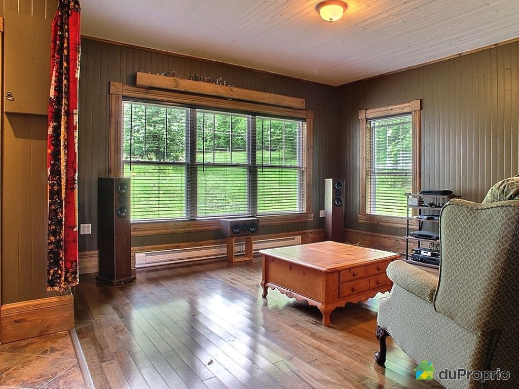 maison vendu compton immobilier qu bec duproprio 444267. Black Bedroom Furniture Sets. Home Design Ideas