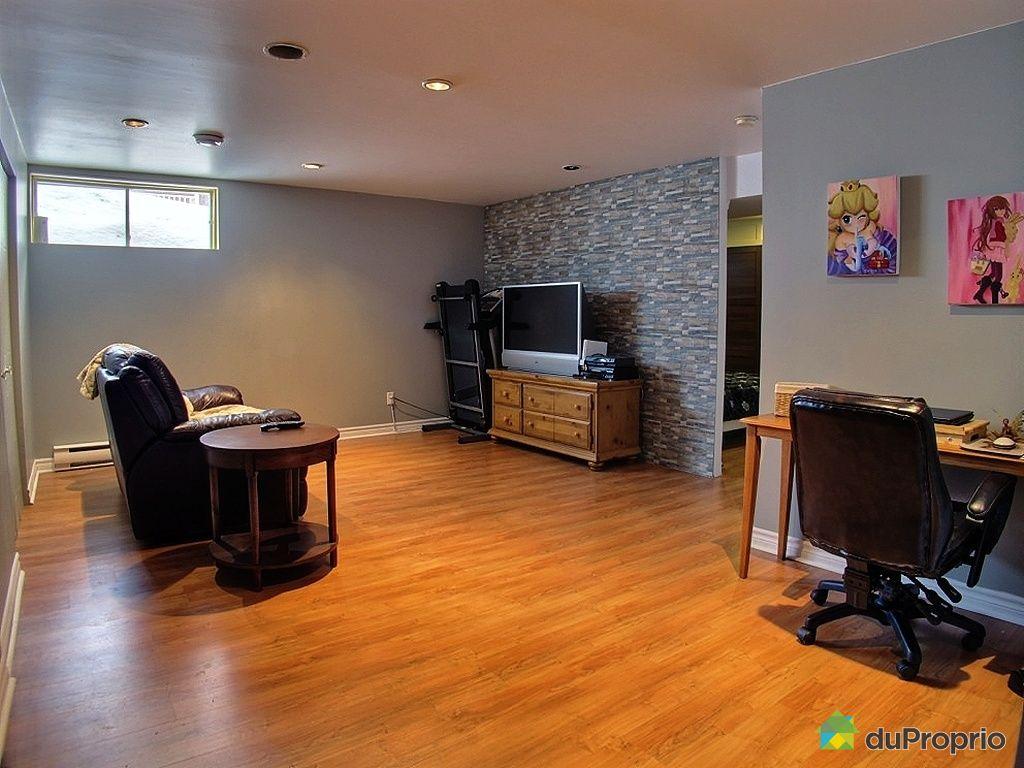 maison vendu pr vost immobilier qu bec duproprio 396383. Black Bedroom Furniture Sets. Home Design Ideas