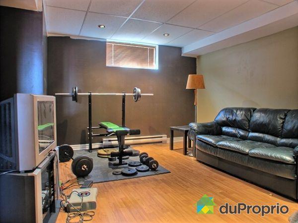 maison vendu st hubert immobilier qu bec duproprio 166372. Black Bedroom Furniture Sets. Home Design Ideas
