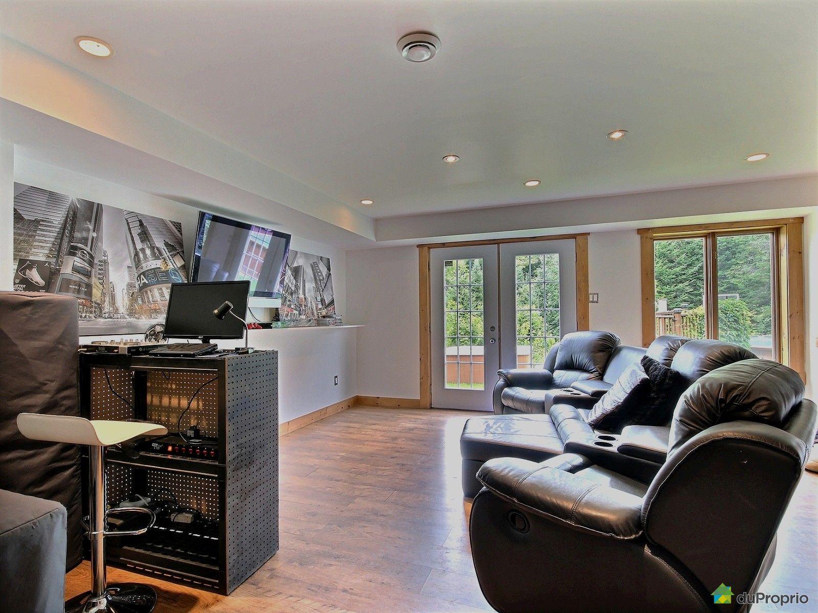 maison vendu ste ad le immobilier qu bec duproprio 411972. Black Bedroom Furniture Sets. Home Design Ideas