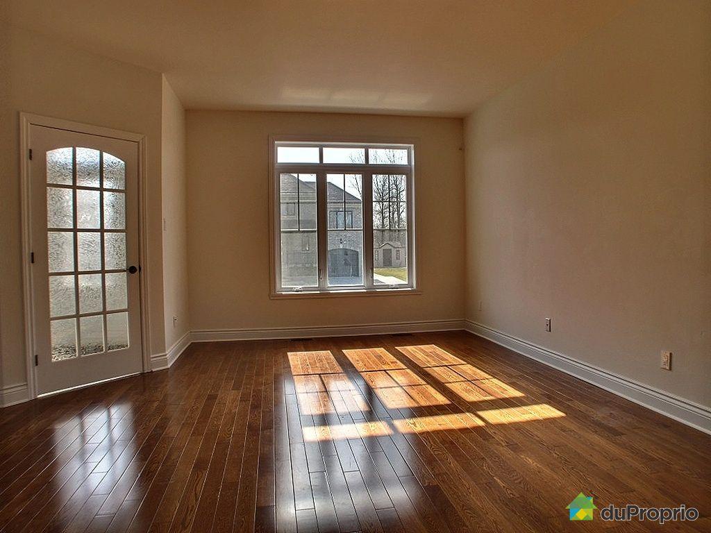 bi g n ration vendu st hubert immobilier qu bec duproprio 326229. Black Bedroom Furniture Sets. Home Design Ideas