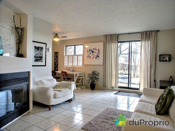 Condo vendu bromont immobilier qu bec duproprio 249638 for Rideau pour porte patio cuisine