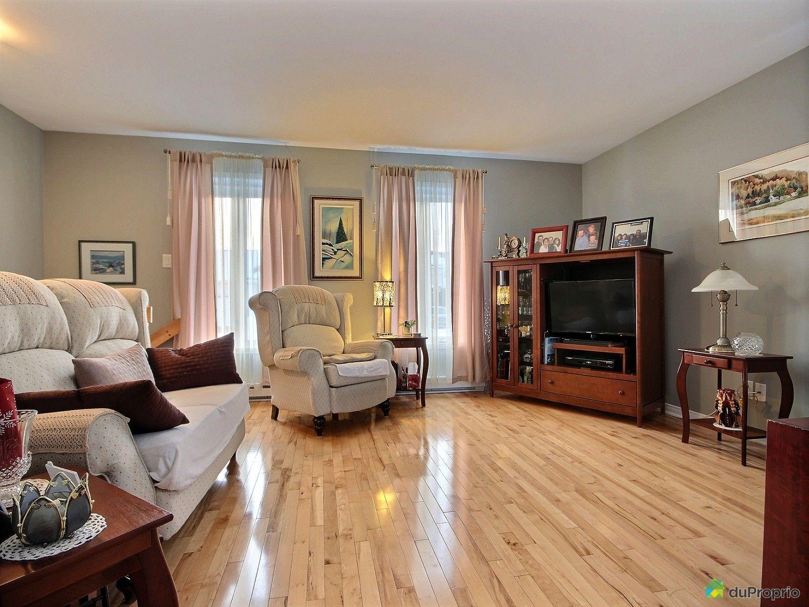 Maison vendre charlesbourg 1161 rue des chrysolithes for Salon du logement