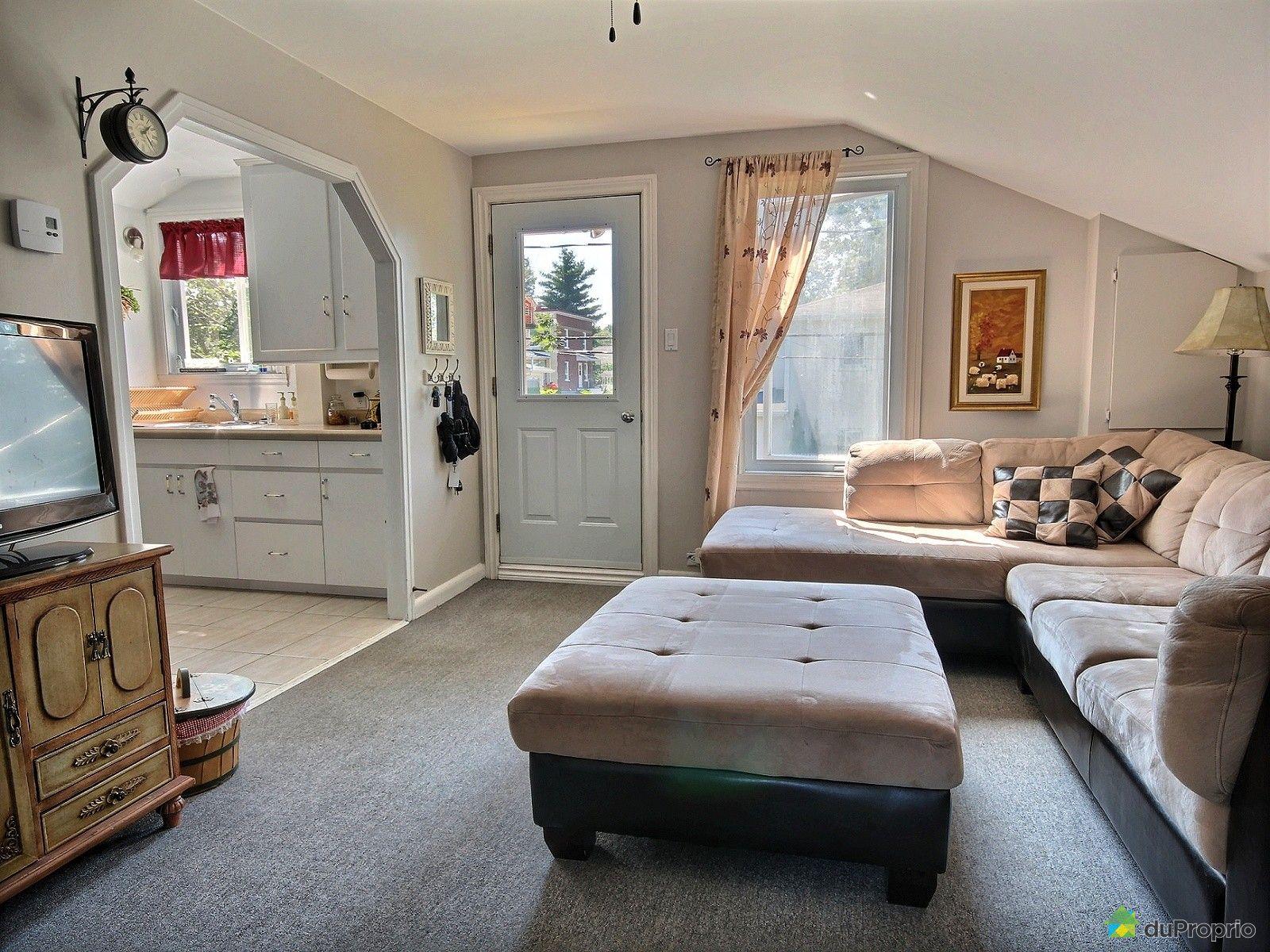 Triplex vendu l vis immobilier qu bec duproprio 543012 for Salon du logement
