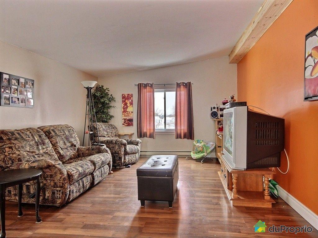 Triplex vendre portneuf 678 680 684 rue saint charles for Salon du logement