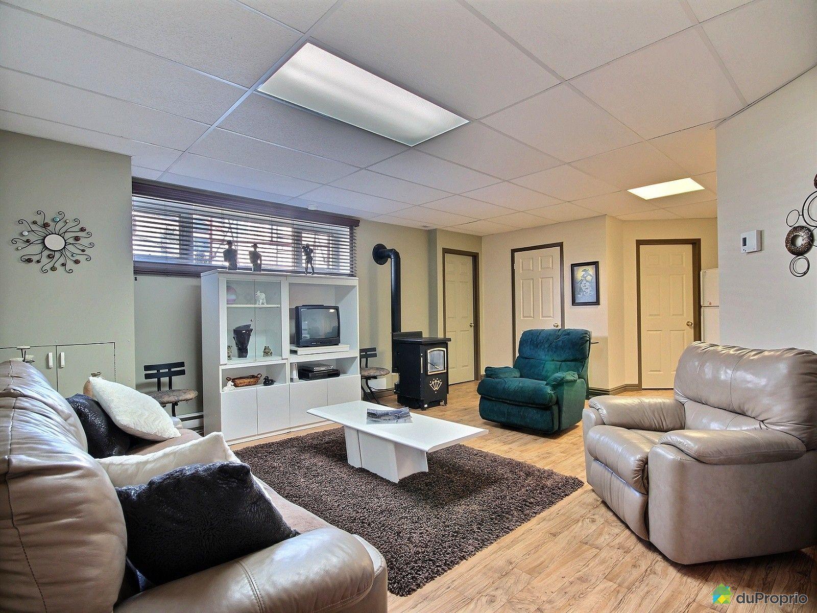 maison vendre roberval 733 avenue bergeron immobilier. Black Bedroom Furniture Sets. Home Design Ideas