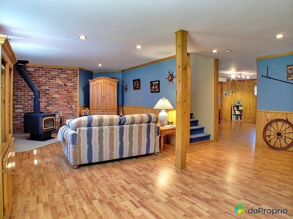 Maison vendu sherbrooke immobilier qu bec duproprio for Bar sous sol maison