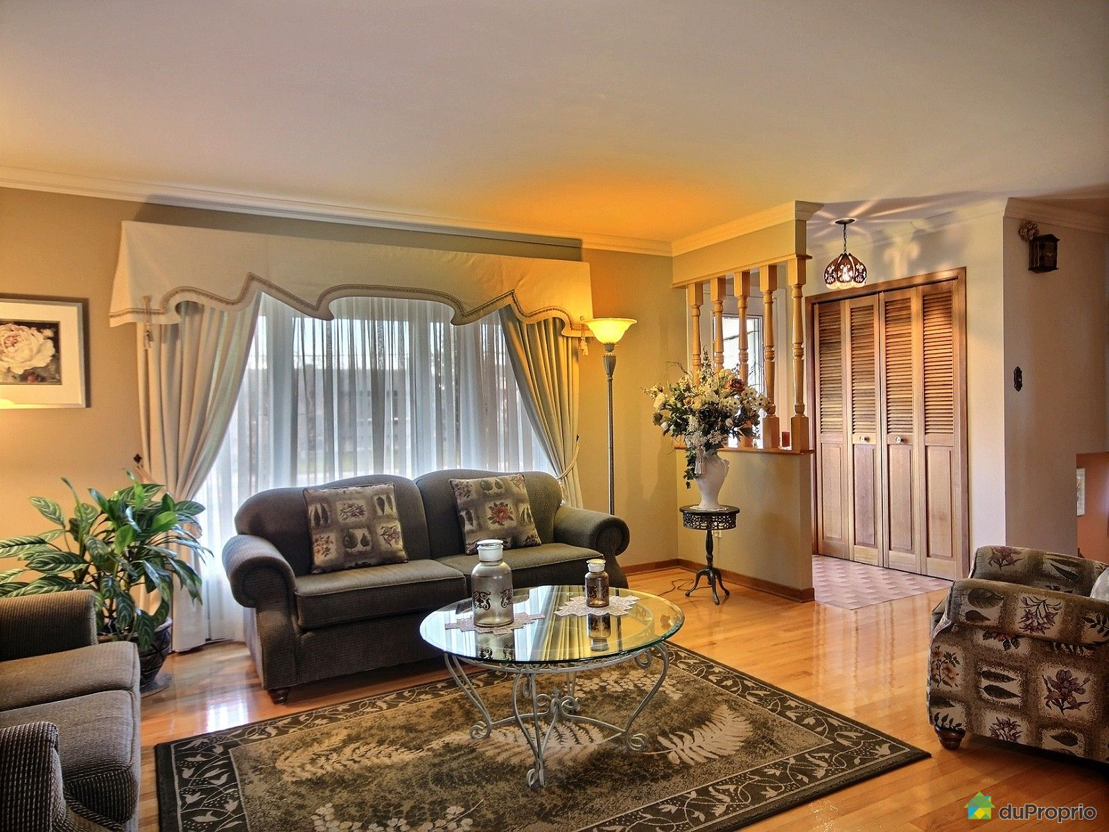 maison vendu ste madeleine immobilier qu bec duproprio 668330. Black Bedroom Furniture Sets. Home Design Ideas