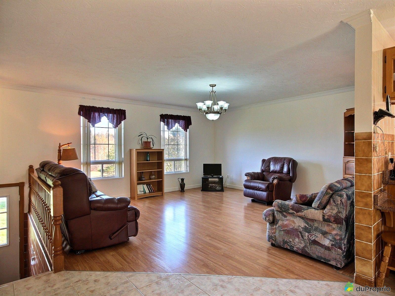 bungalow sur lev vendre lac drolet 729 rue drolet immobilier qu bec duproprio 660391. Black Bedroom Furniture Sets. Home Design Ideas
