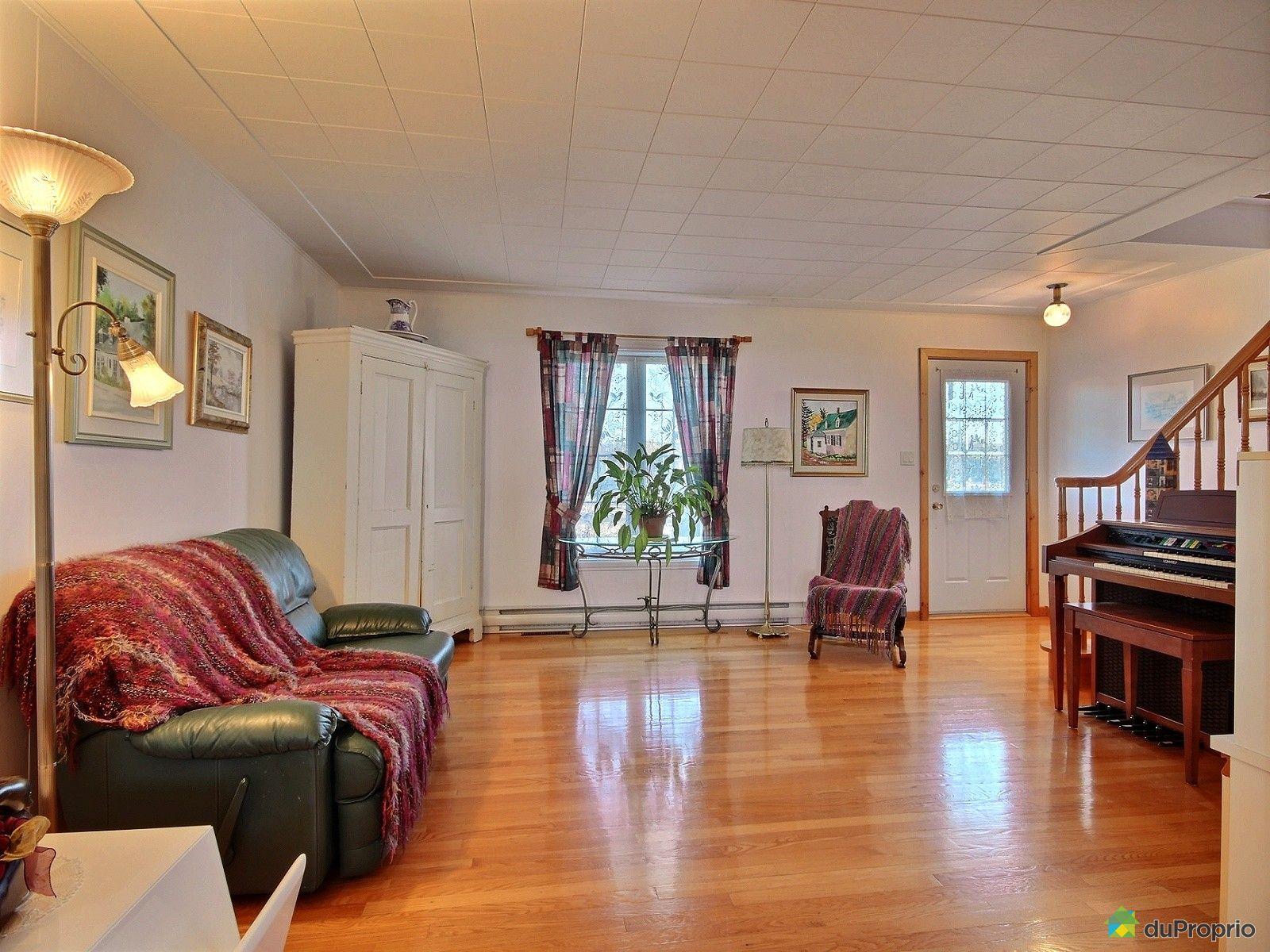 Maison vendre l 39 islet sur mer 161 rue des pionniers for Salon sur la rue
