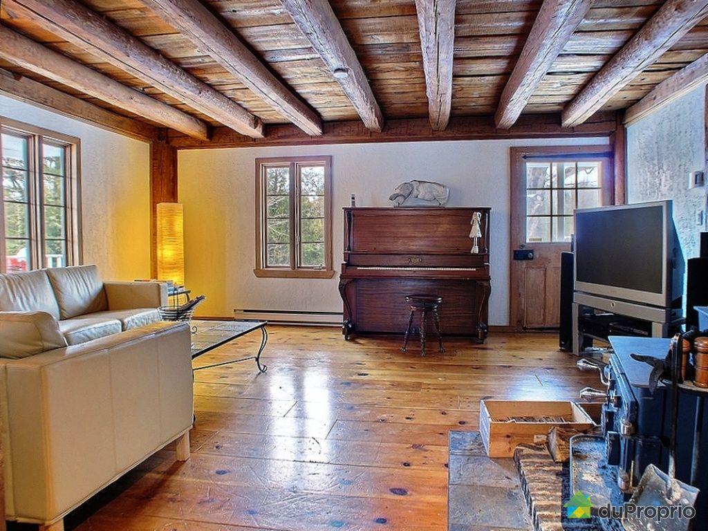 Maison vendre frelighsburg 1 chemin du lac selby for Salon maison de campagne