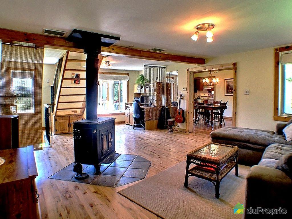 Maison vendu north hatley immobilier qu bec duproprio for Salon maison de campagne