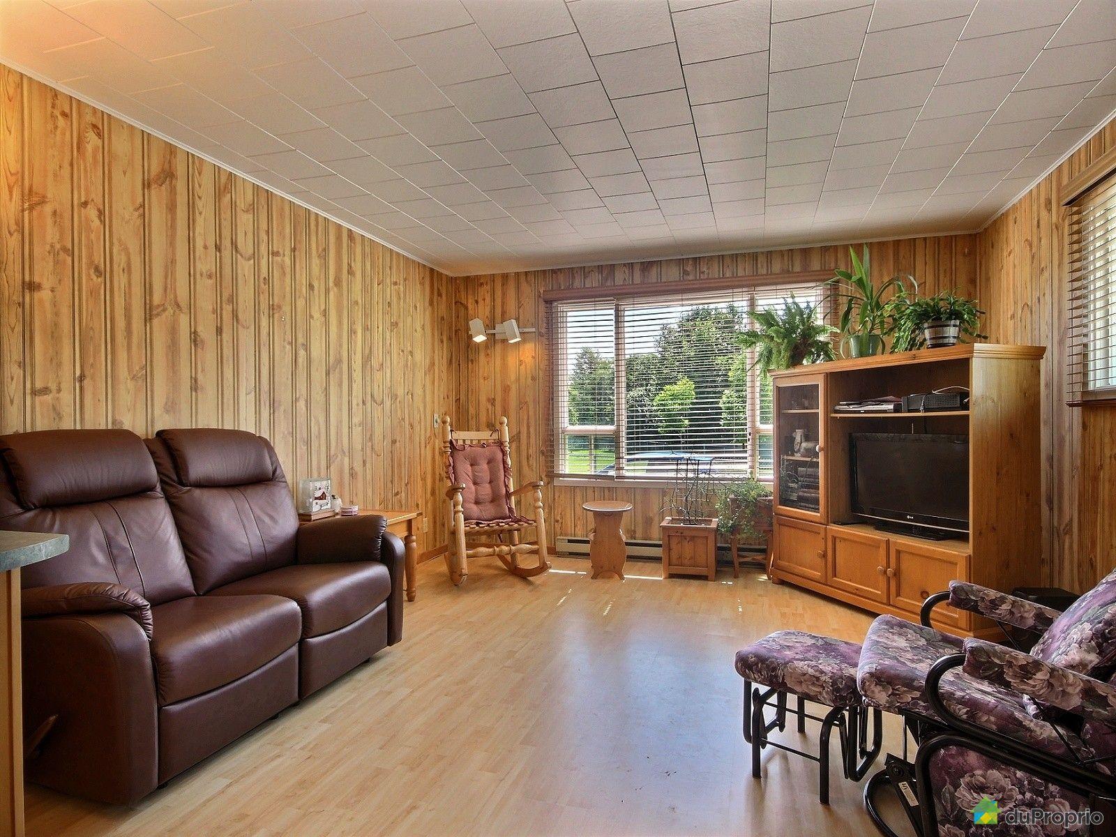 maison vendre rivi re du loup 38 rue de l 39 tang immobilier qu bec duproprio 632003. Black Bedroom Furniture Sets. Home Design Ideas